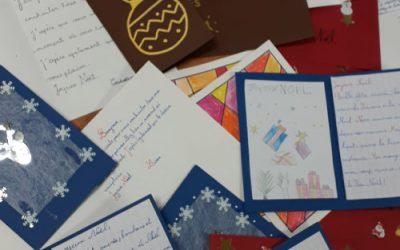 Réalisation de cartes de vœux par les enfants de l'école J. CALDERONI